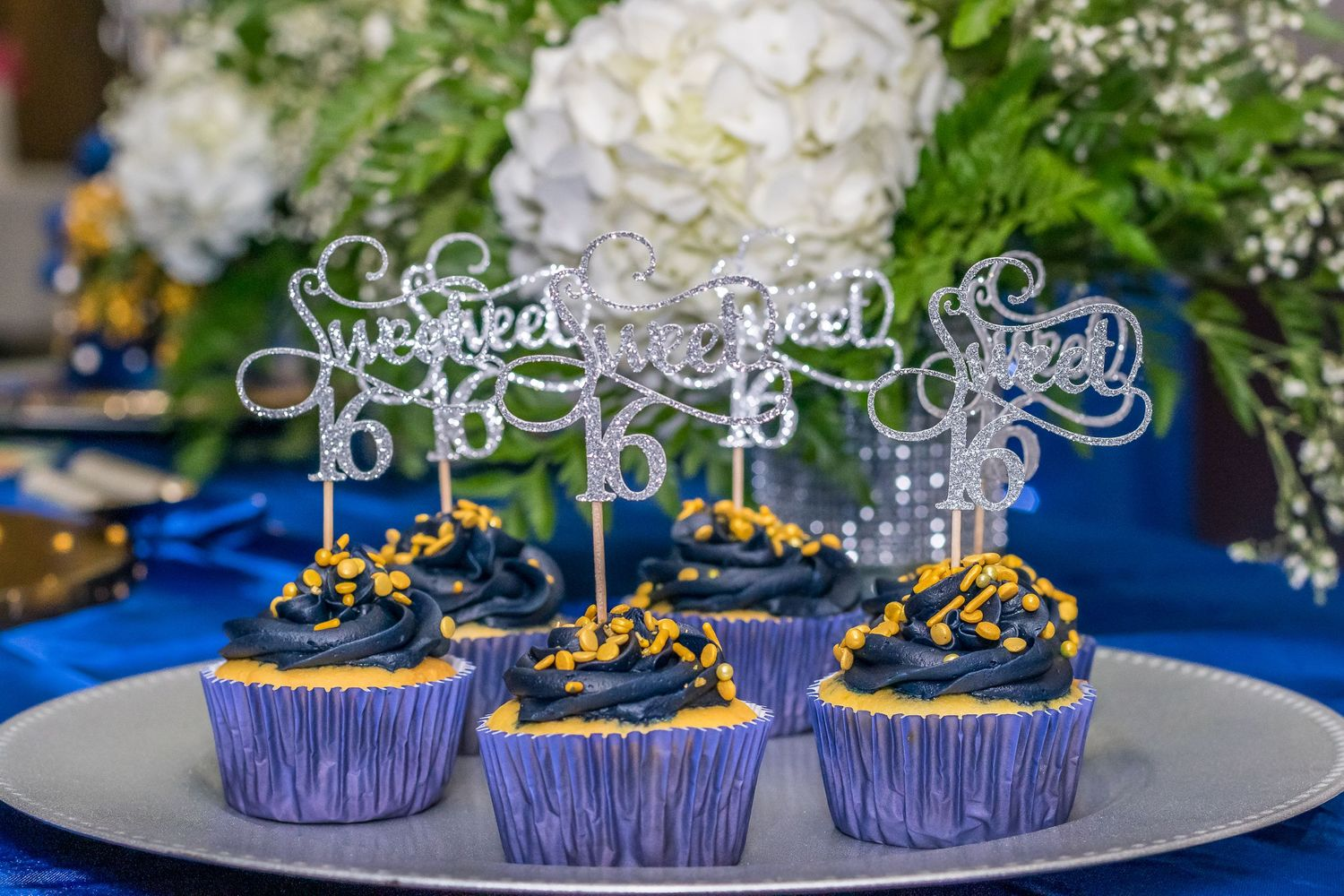 Sweet 16 Cupcakes with Sweet 16 topper