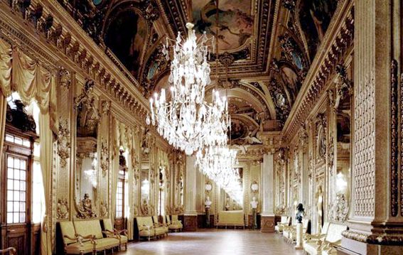 THE ROYAL SWEDISH OPERA HOUSE STOCKHOLM is on Faye Amare's wedding venue bucket list