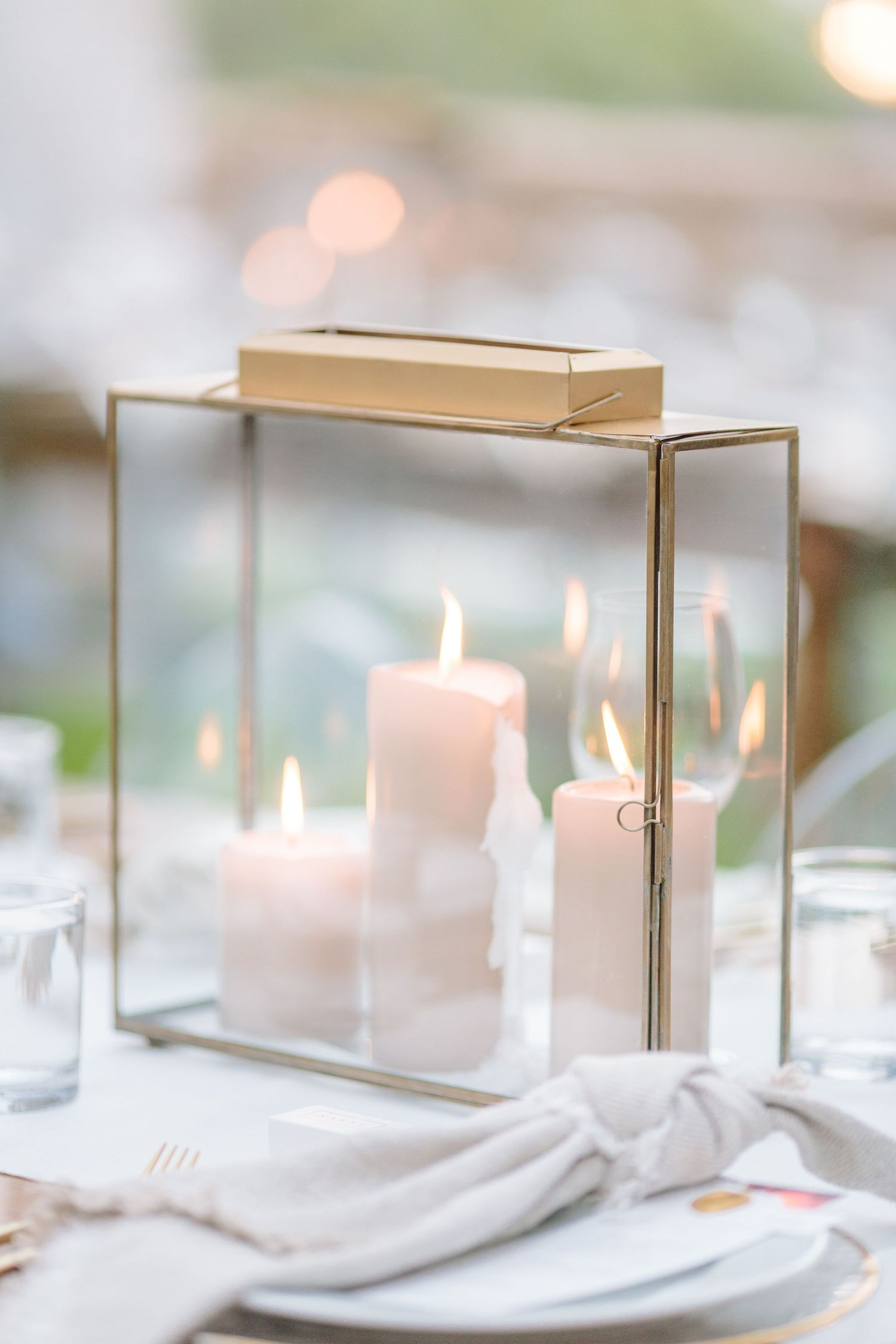 gold accent glass candle centrepiece
