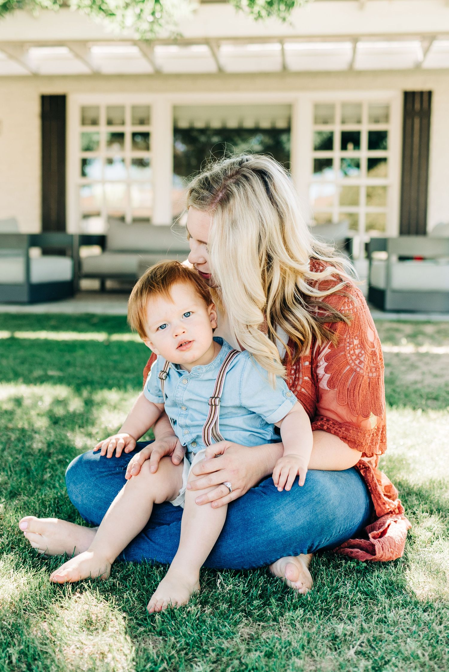mom and son during family photo with Kourtney Marie Photography in Phoenix, Arizona