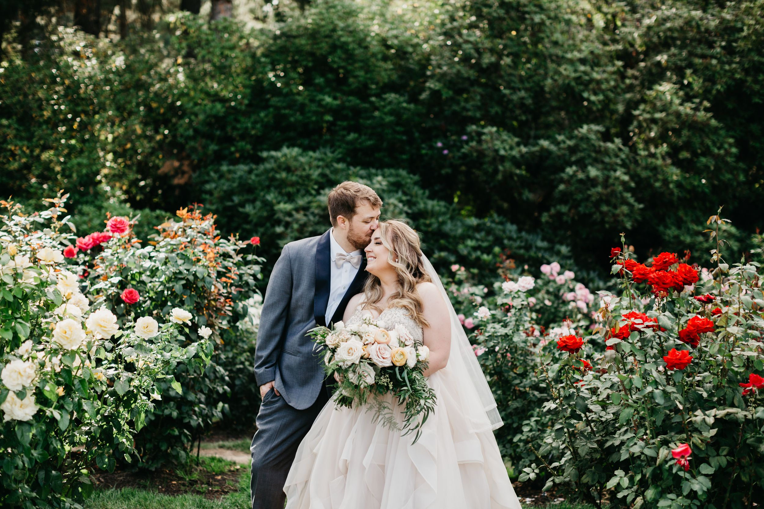 rose test garden wedding, Oregon wedding ideas, Portland wedding, rose garden wedding, Oregon wedding photographer,