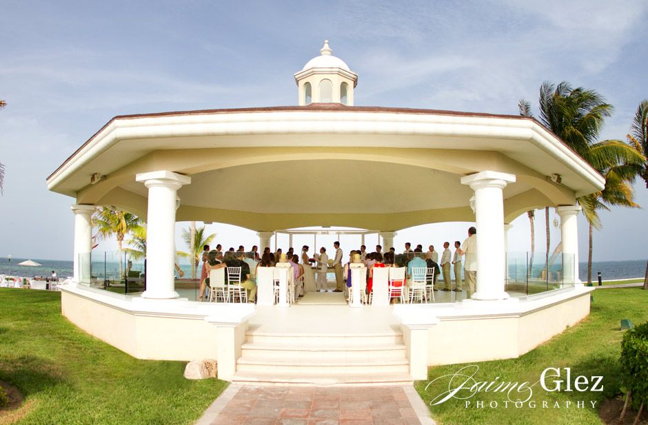 Moon Palace Wedding Chapel