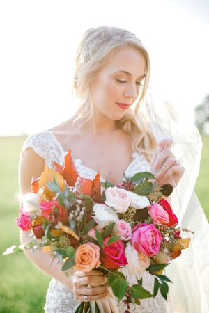 Elizabeth Couch Photography | Dallas Fort Worth Wedding Photographer | bridal photos | glamorous blonde blog tr floral