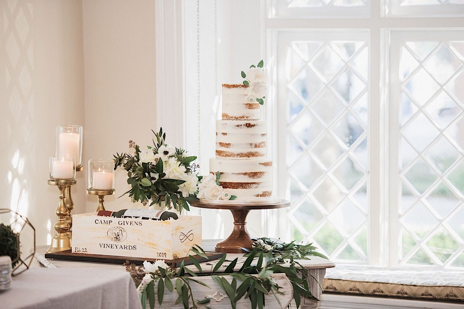wedding cake in the window at the orlo