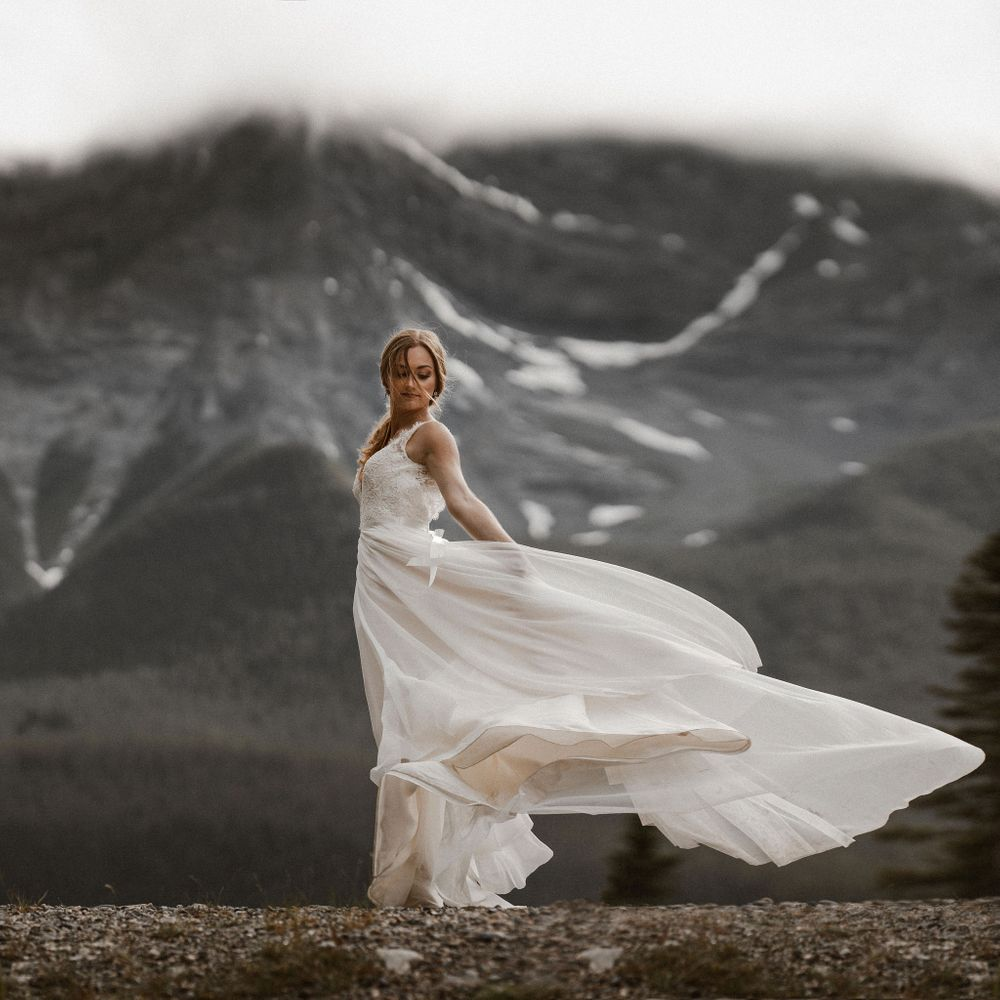 Canmore wedding photographer. Calgary photography by Tkshotz