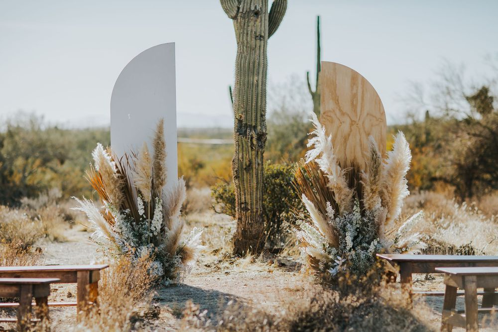 rebecca skidgel photography mesa arizona desert wedding neutral boho florals