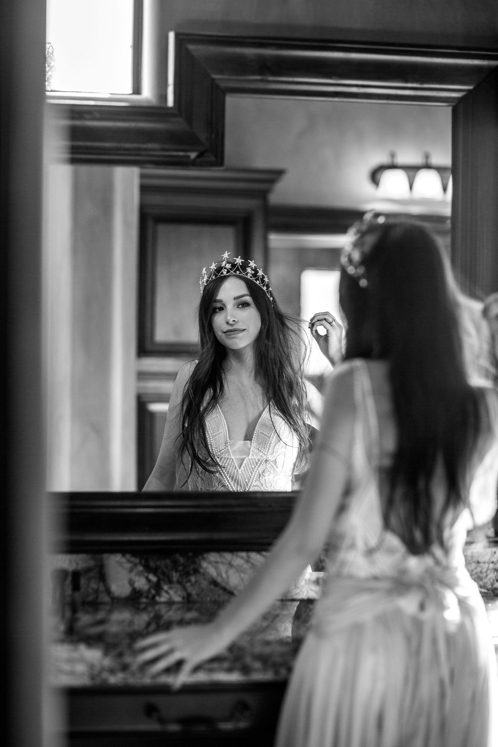 rebecca skidgel photography mesa arizona wedding bride getting ready in mirror