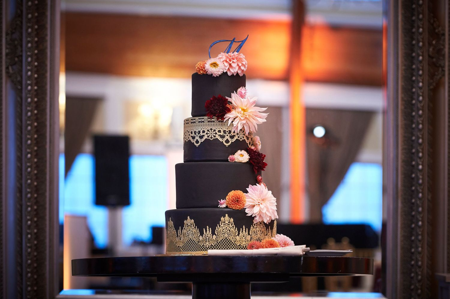 wedding cake at Bonnet Island Estate