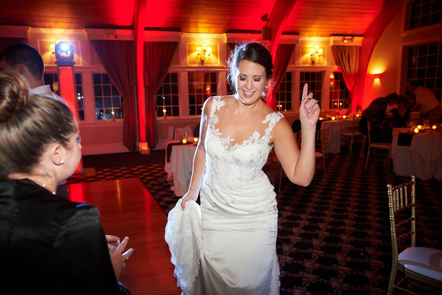 bride dancing at Bonnet Island Estate