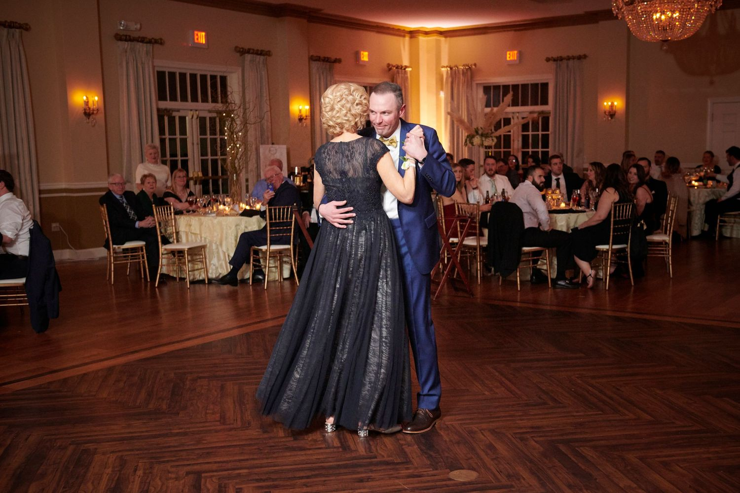 mother son dance at reception at Belle Voir Manor