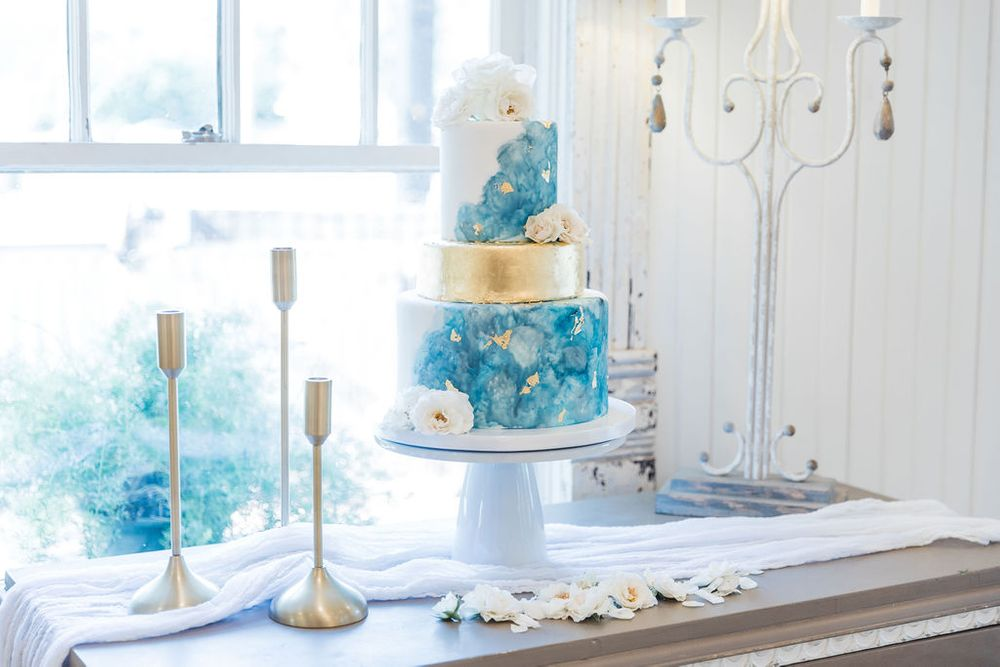 Cake-McKinney-Texas-Lady-Butterbug-Weddings
