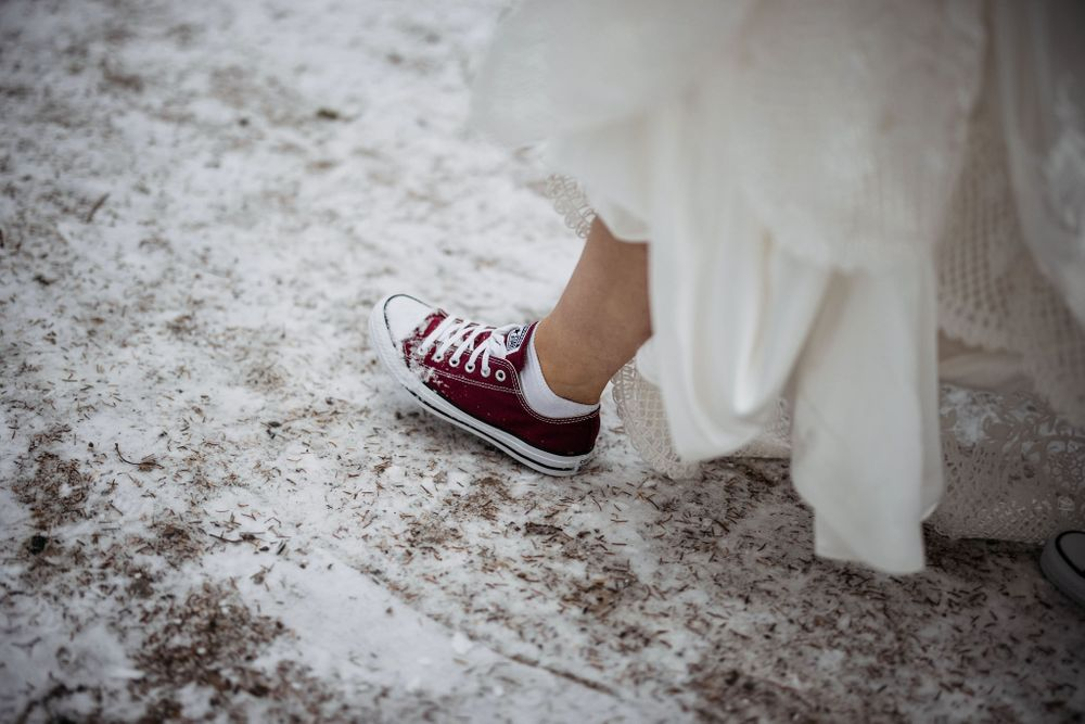 Rocking the converse wedding shoes