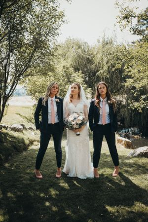 Beacon hill events wedding bride and groomsmen Spokane WA Soulful hues photography