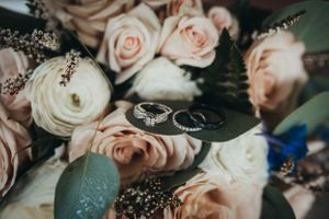 detail wedding ring bouquet photo beacon hill events poakne wa Soulful hues photography