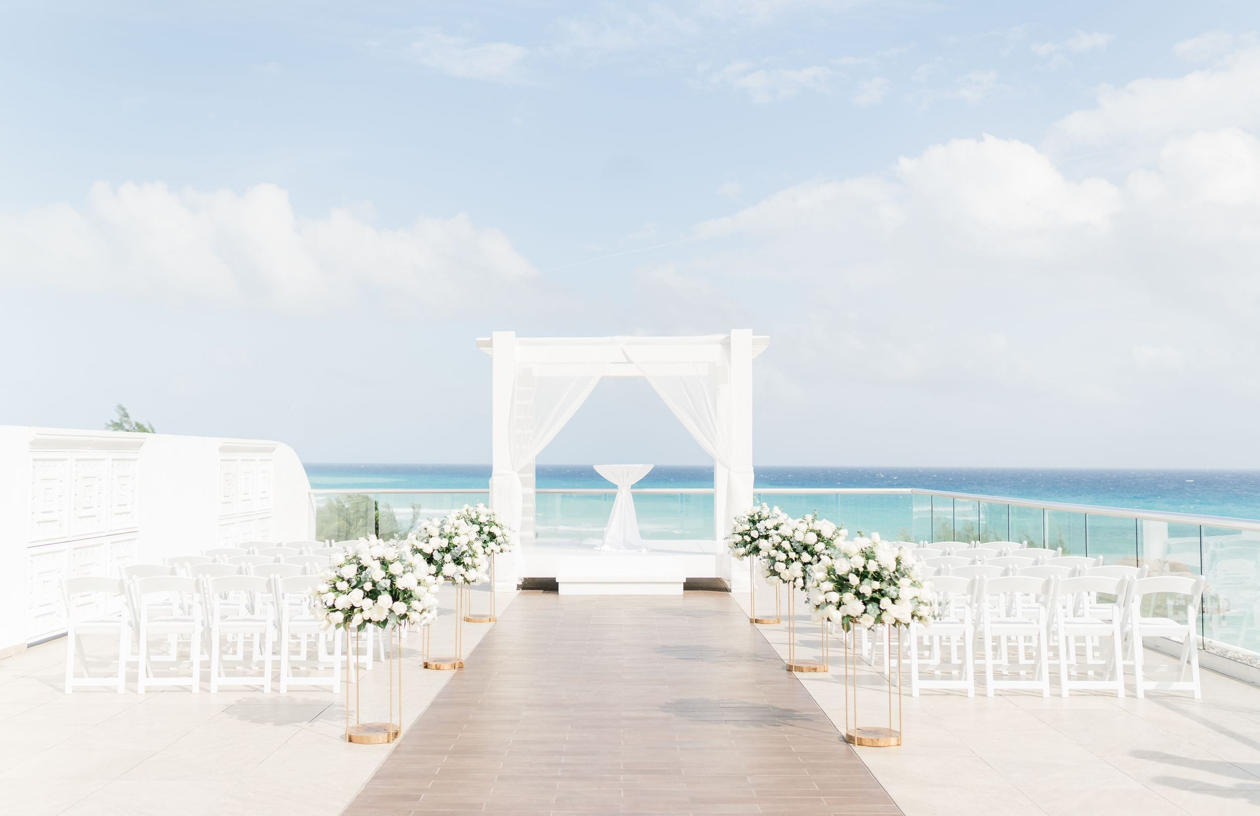Natural wedding photographer in Cancun, Mexico