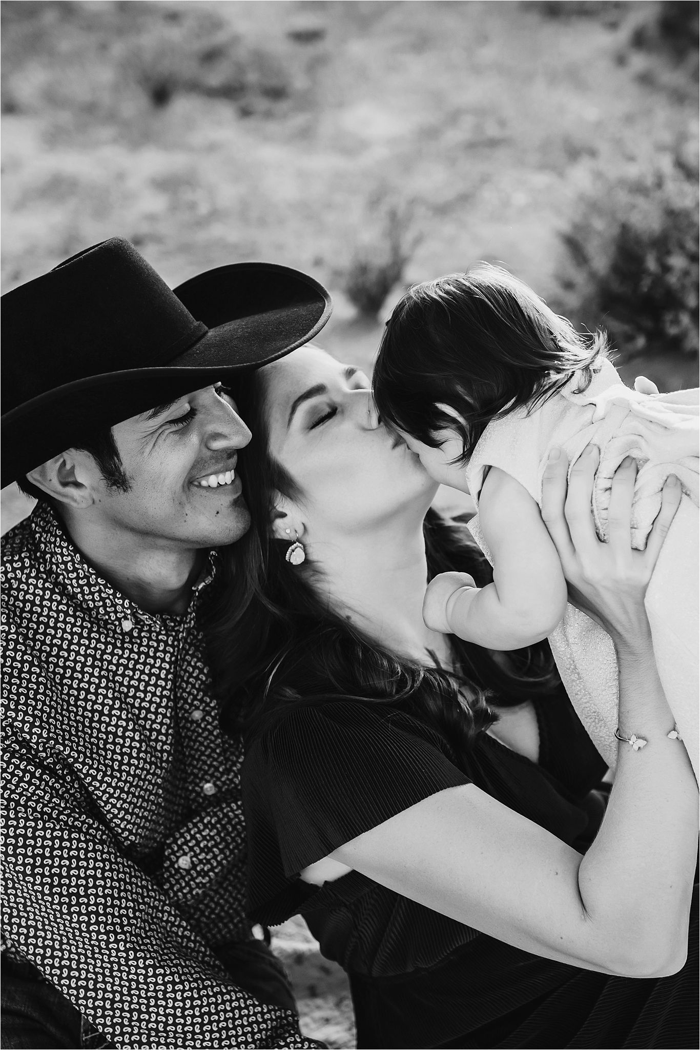 Family session in Sabino Canyon AZ-Tucson Family Photographer-01