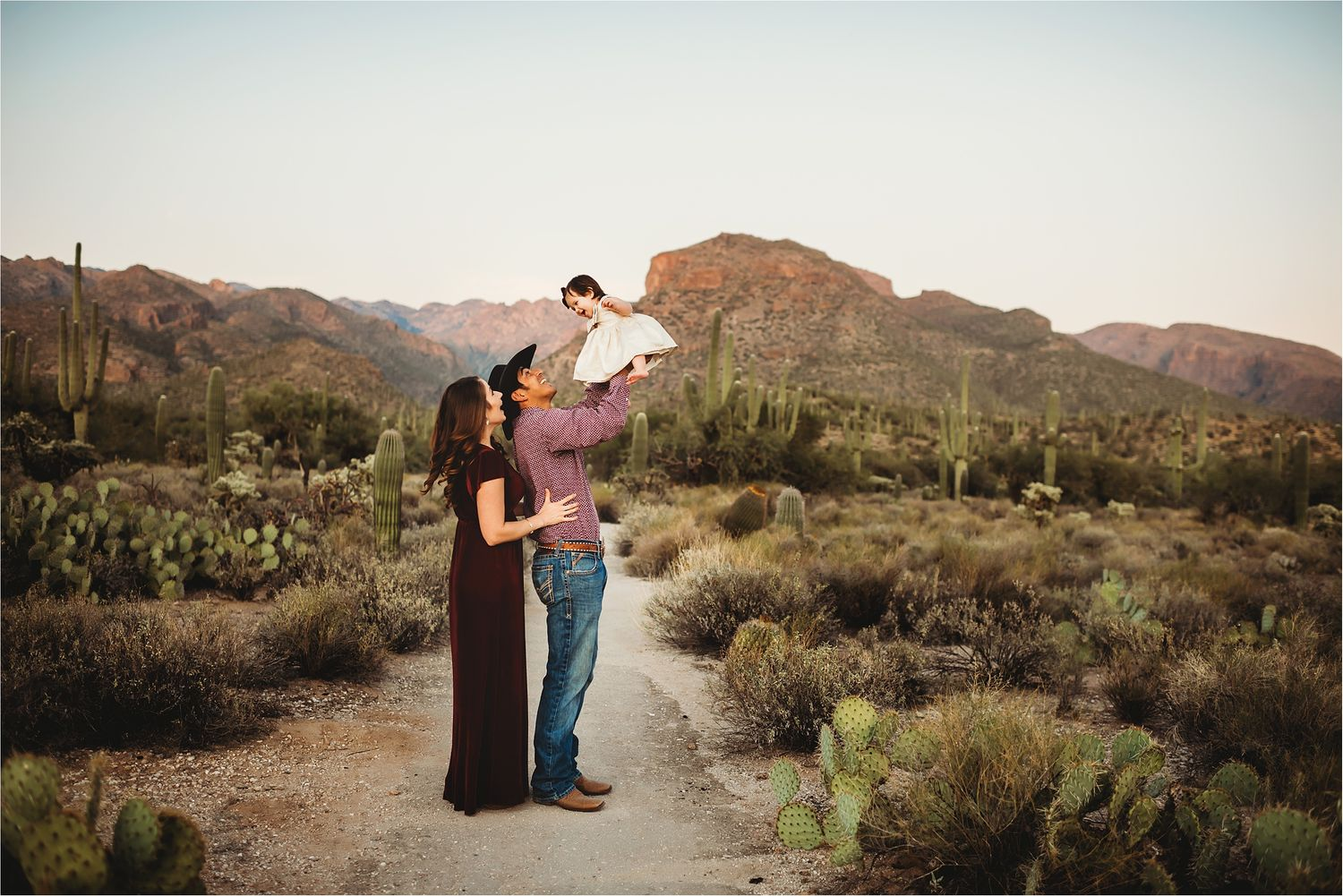 Mountain view family session in the desert-best Sierra Vista Photographer-14
