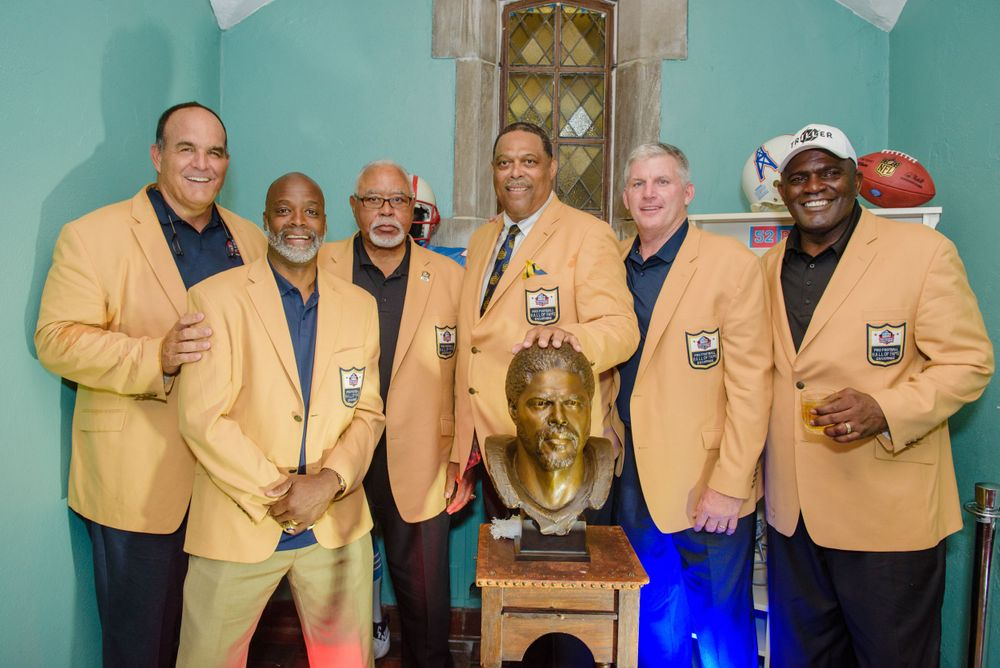 Pro Football Hall of Fame Portrait at Glenmoor Country Club in Canton Ohio