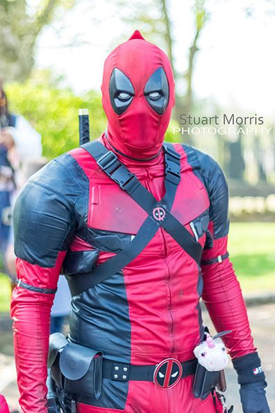 deadpool cosplayer at stars and cars charity event