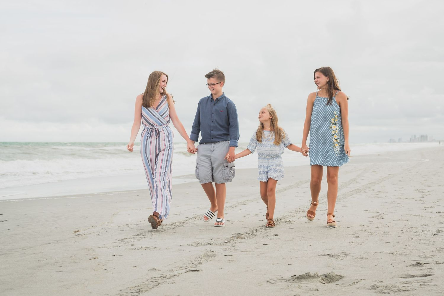 Family portrait at Myrtle Beach with PHV Photo, Myrtle Beach Family Portrait Photographer