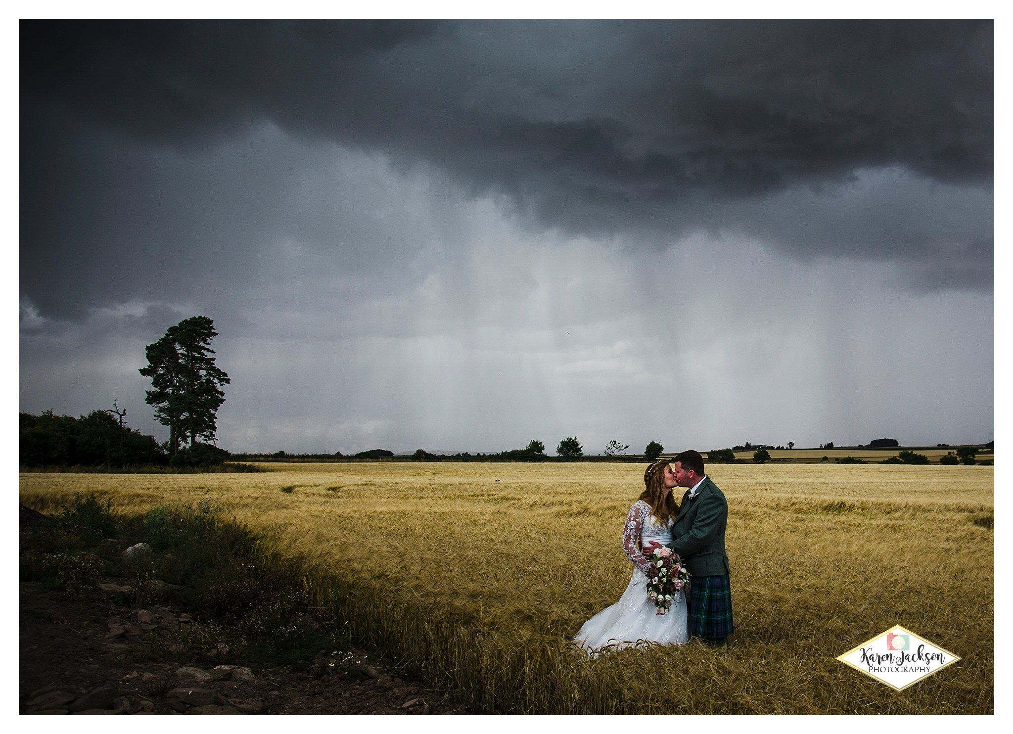 Scottish wedding photography rainy fields angus
