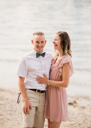 beach-engagement-session-shuswap-lake