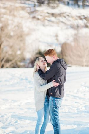 winter-engagement-session-in-british-columbia
