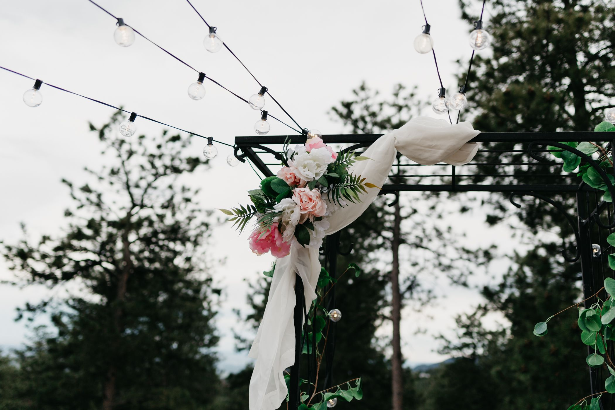 wedding decor, alternative wedding, mansion, golden, colorado, best wedding photographer, Denver, rustic, fun