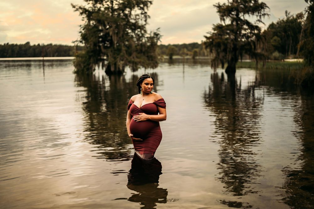 Maternity Photographer in Charleston, South Carolina
