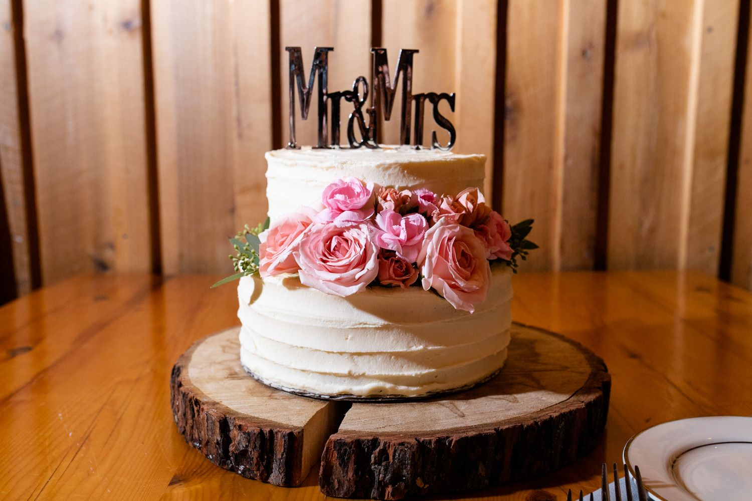 Small rustic wedding cake