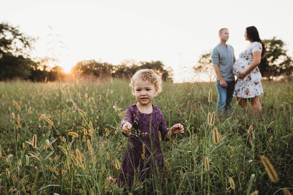 outdoor maternity session, sunset session, family session, older sibling