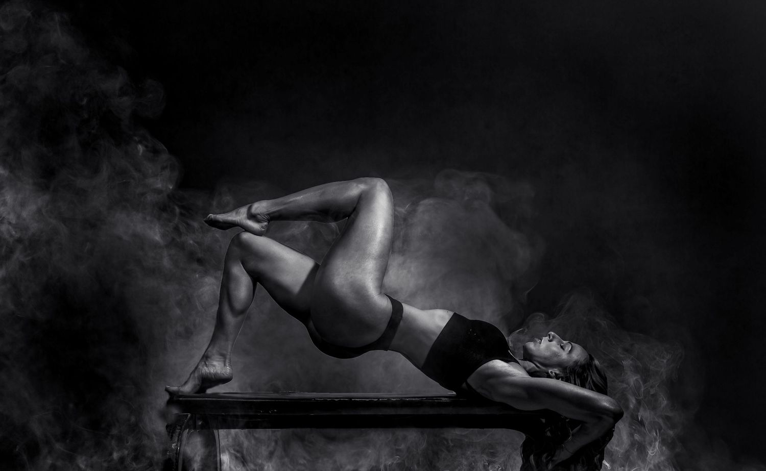 Anita Barcsa Photography- Personal_Branding_Fitness_Portrait_Smoke_Nikki_5_Redwood City, California