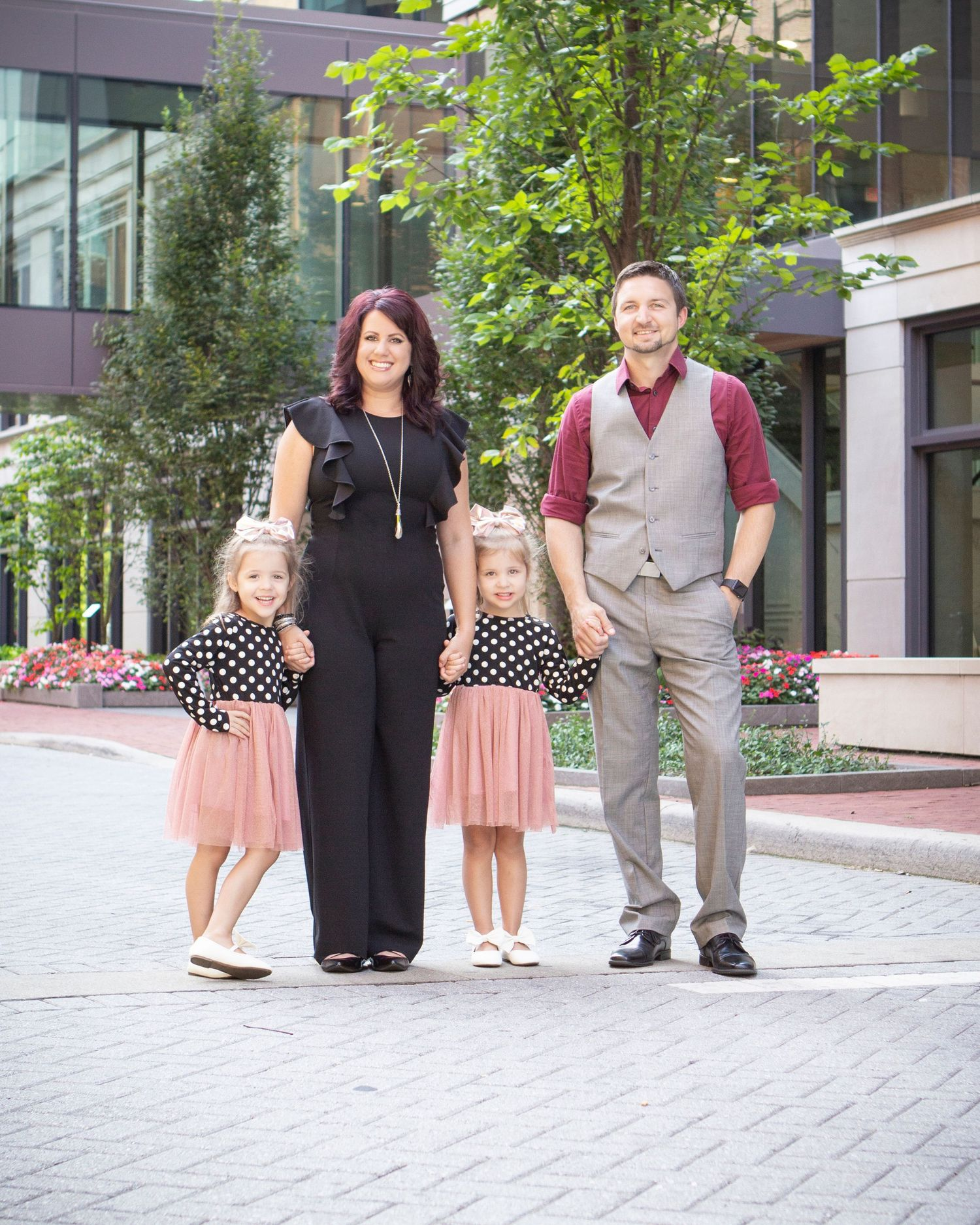 "<img src=""19burgdorf_07"" alt=""arena district family pictures"">"