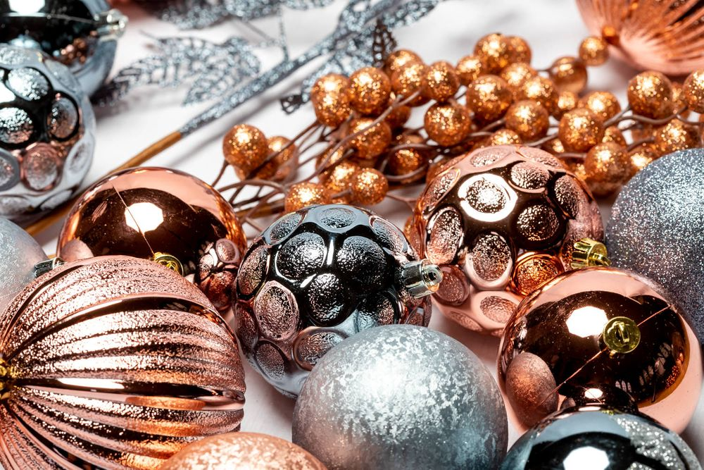 Christmas decoration studio packshot product photography by Danny Loo