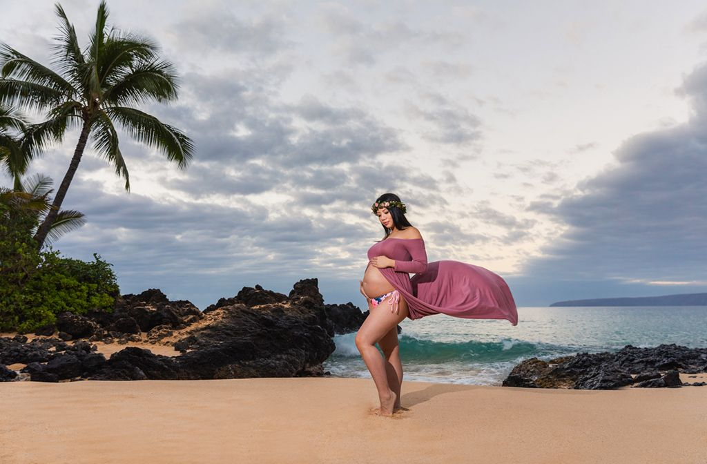 Maui Maternity and Babymoon photographers
