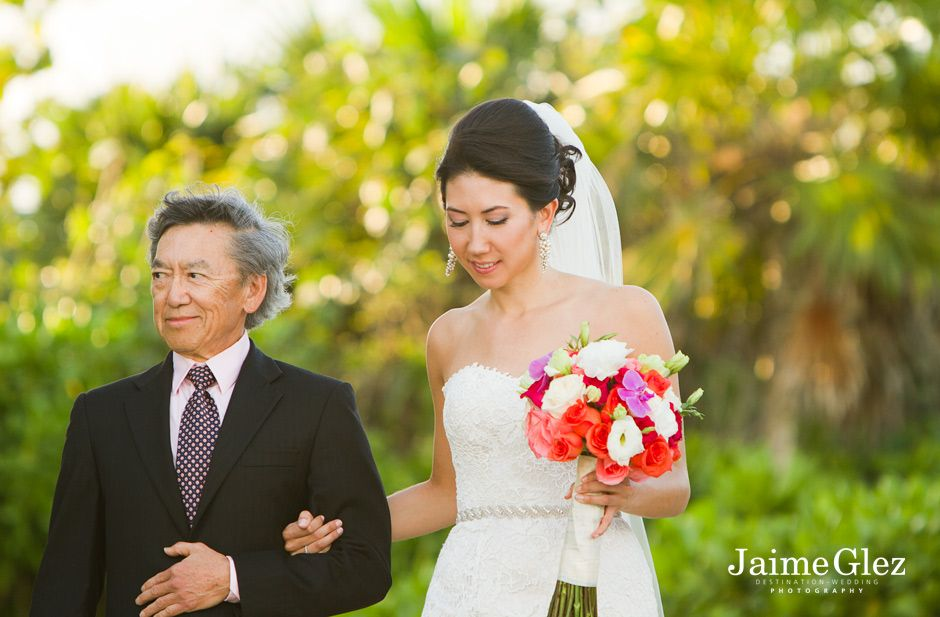 Bride and her father at the Fairmont Mayakoba