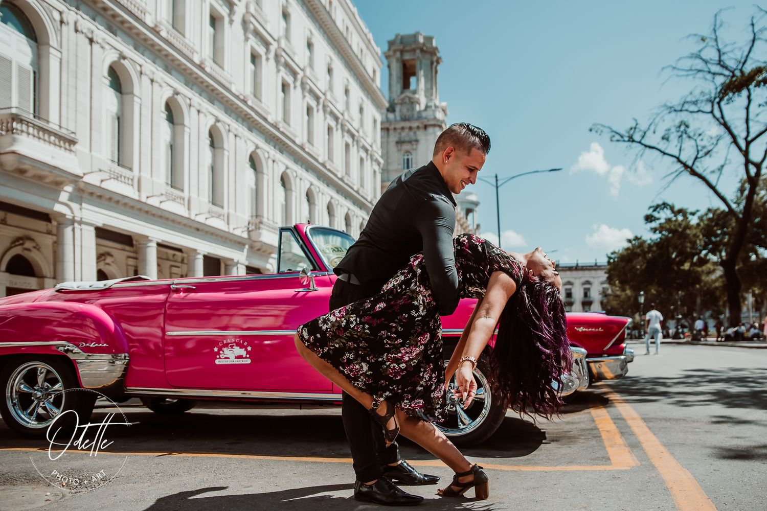 Couple dancing in the streets of Havana
