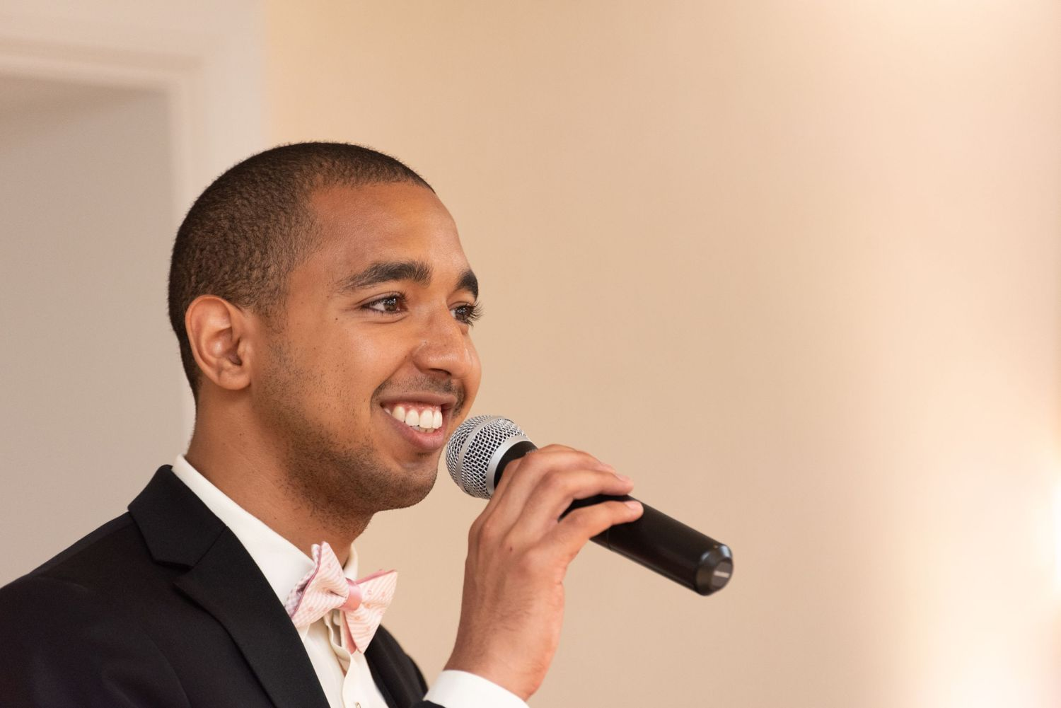 Leah Ramuglia Photography best man gives a speech at the Dedham Hilton Hotel