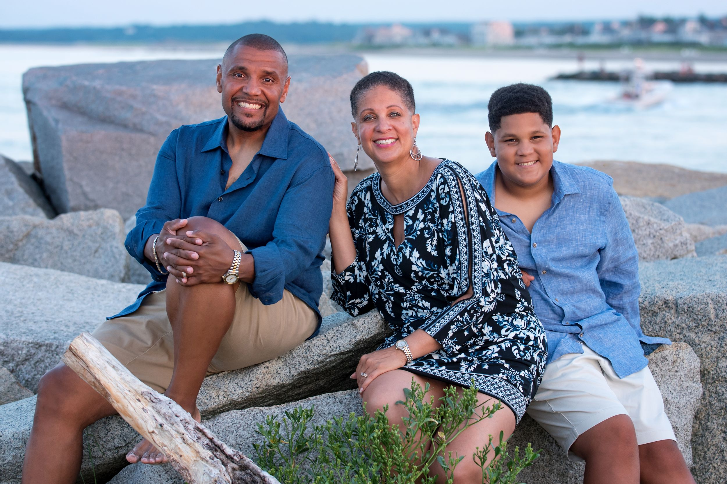 plymouth, ma | family beach portraits | heidi harting photography | beautiful family of 3 photographed on large rocks