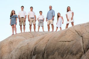 plymouth, ma | family beach portraits | heidi harting photography | family portrait on large rocks