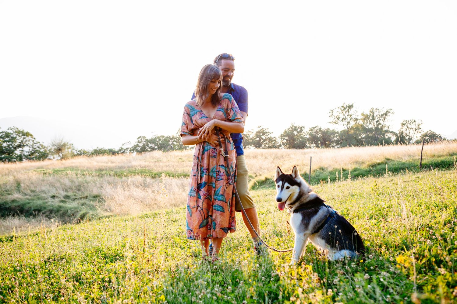 engagement session with husky dog in Northern Tuscany