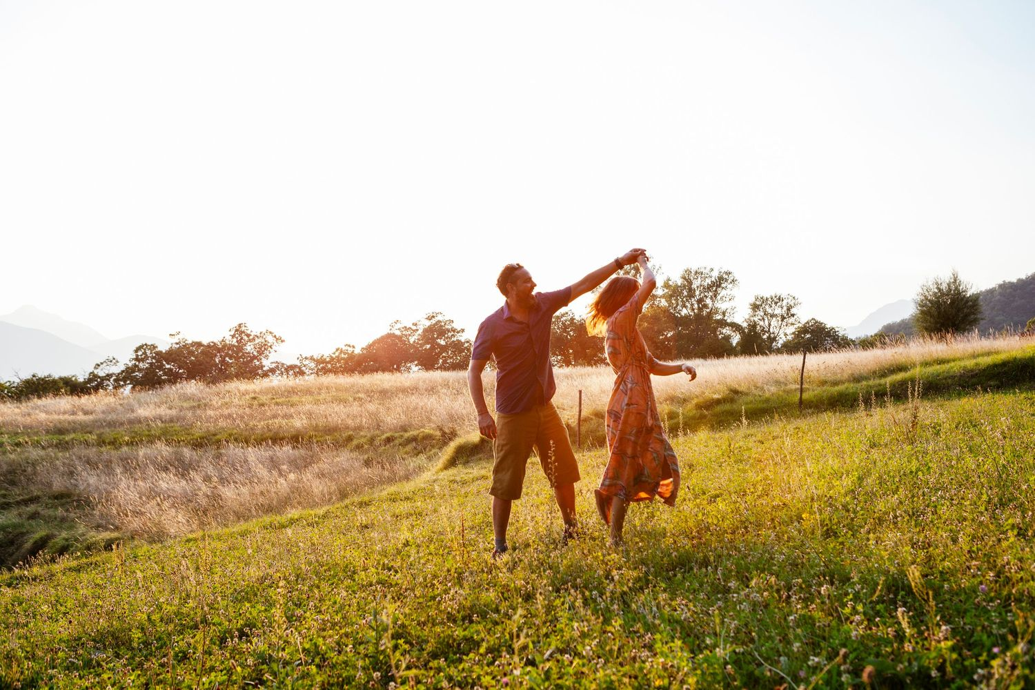 engagement session at sunset in Tuscany by destination wedding photographer Elizabeth Armitage