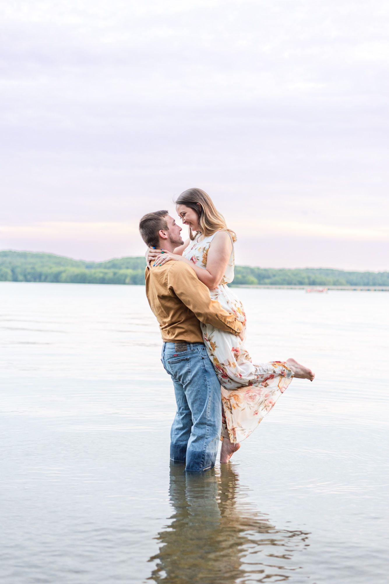 Couple in Lake Arthur for engagement at Moraine State Park in Pennsylvania