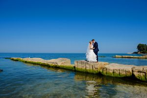 Wedding Photo near Cleveland Ohio on Lake Erie