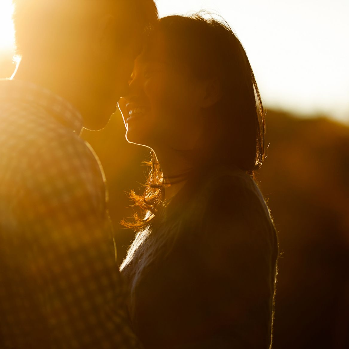 how to create natural light in taking engagement photos