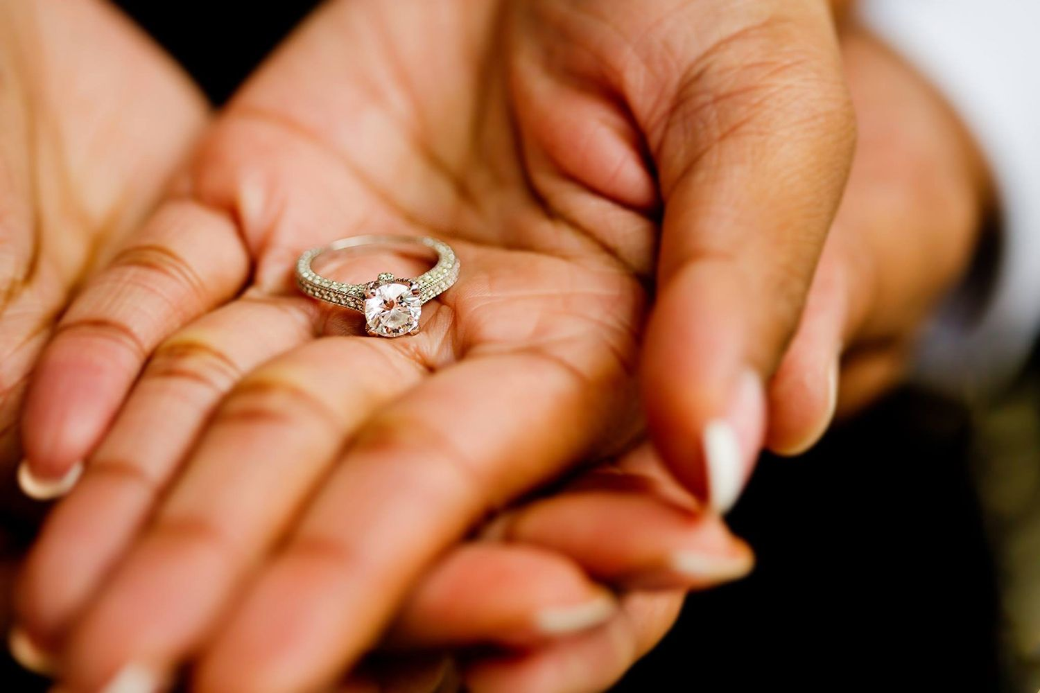 how to take macro engagement ring photos