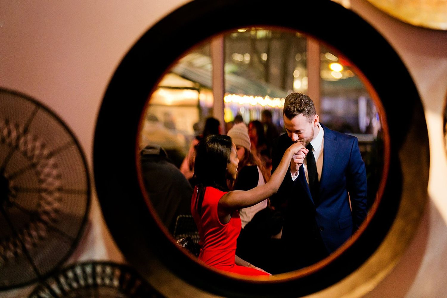 how to take mirror reflection engagement photos