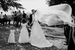 Kalemegdan wedding and bride in Caroline Castigliano wedding dress