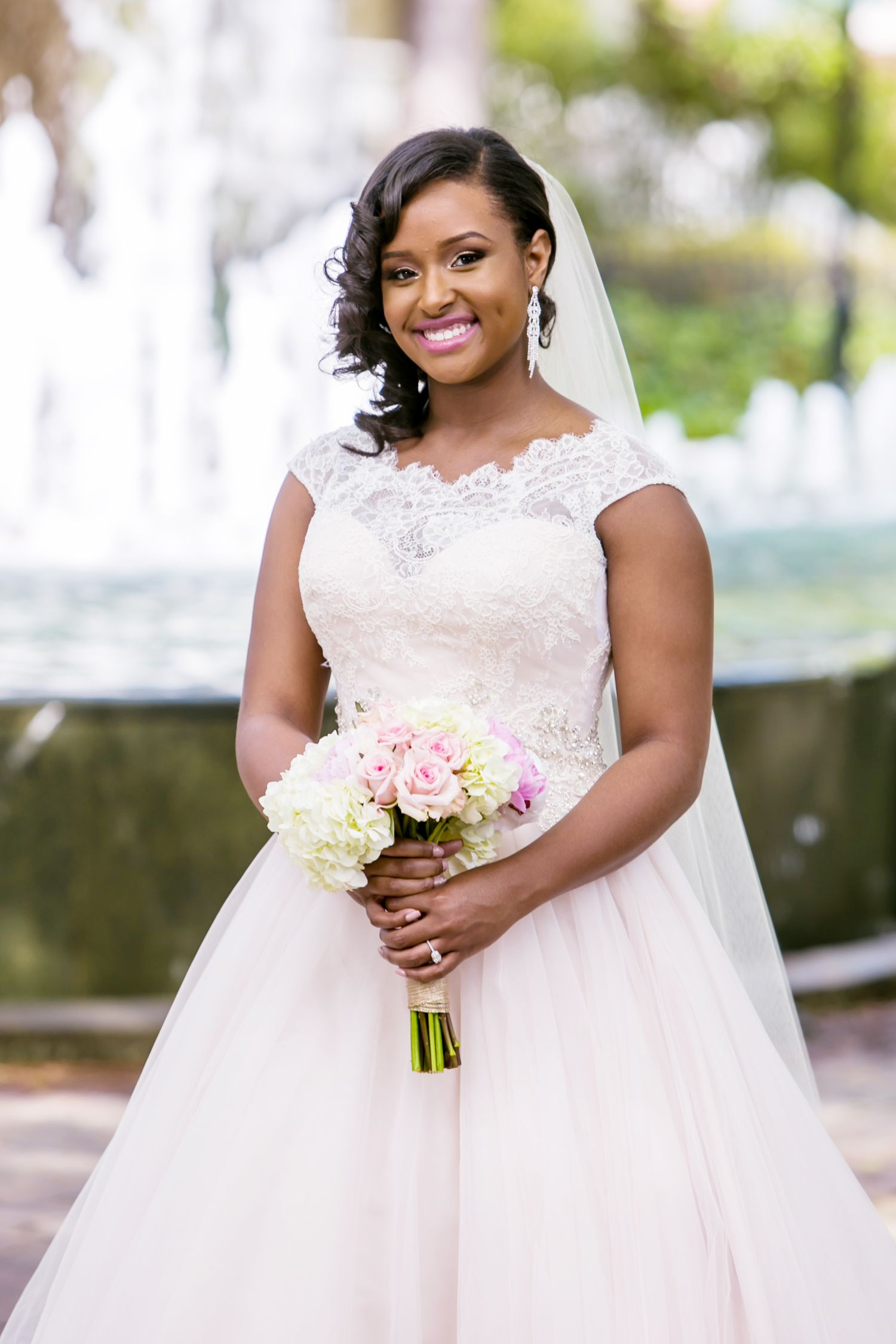 Bridal portrait at the Lace House and SC Governor's Mansion by Jeff Blake of Columbia Wedding Photos