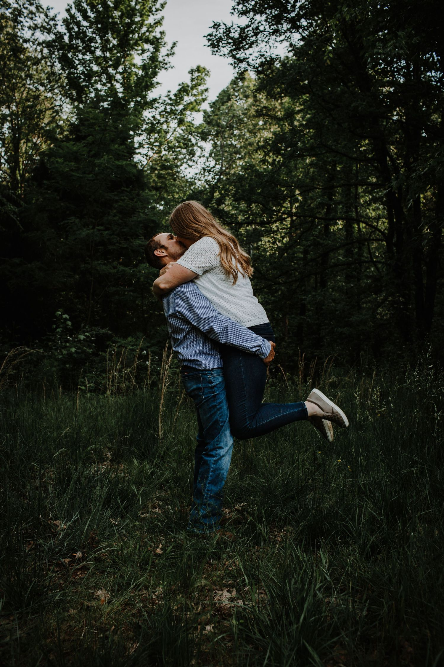 Moody wedding photography Lexington central KY Kentucky country engagement session couples near me local photographer